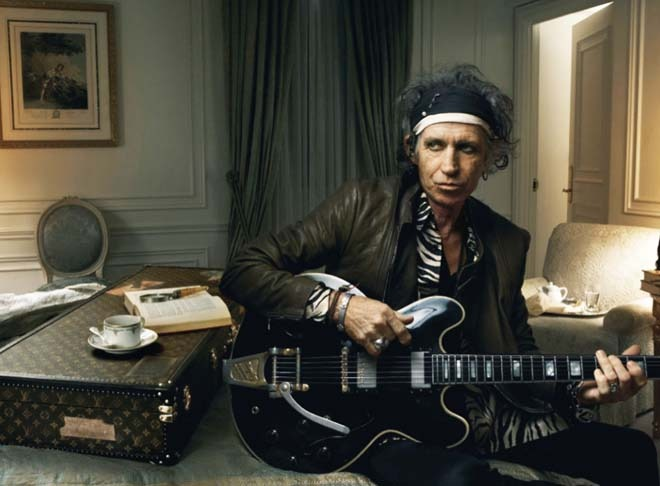 "Feliz Cumple ""Keith Richards"", violero de The Rolling Stones"